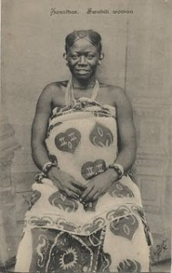 swahili woman kanga