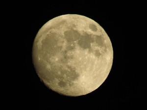 moon-80175_640